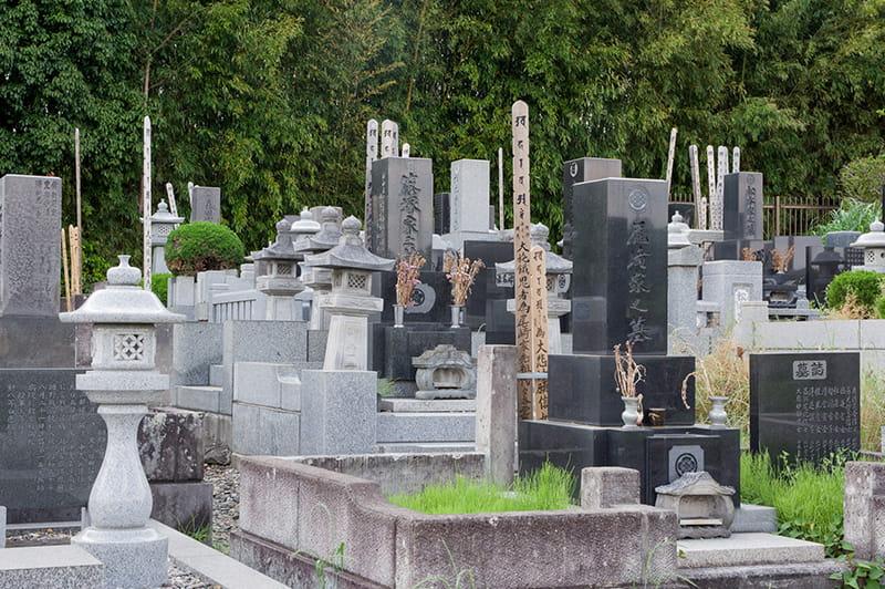 龍性院墓地